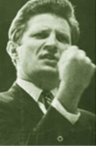 David Wilkerson Prophesying His 1974 Vision
